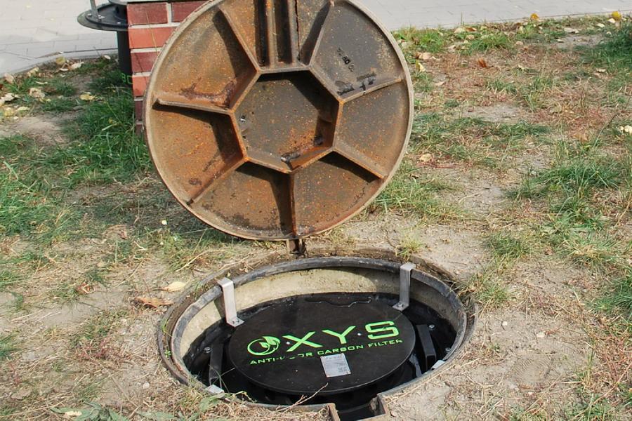 OXYS szénszűrő csatornaszag ellen - beépités5